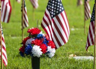what-burial-benefits-veteran-320x230